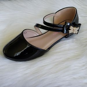Girls Black Gold Patened leather shoes